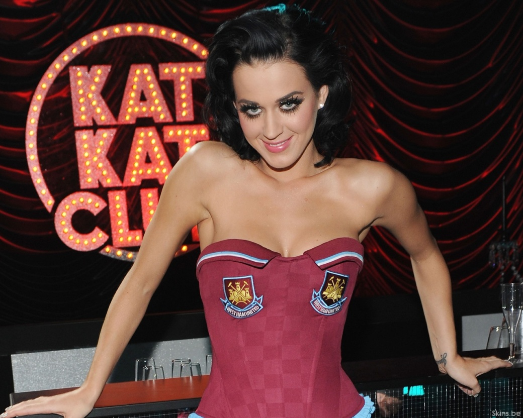hollywood-actress-Katy-P-96b4a