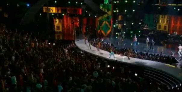 BET-Awards-2013-First-Reggae-Dancehall-Performance-Featuring-Beenie-Man-Elephant-Man-yardhype